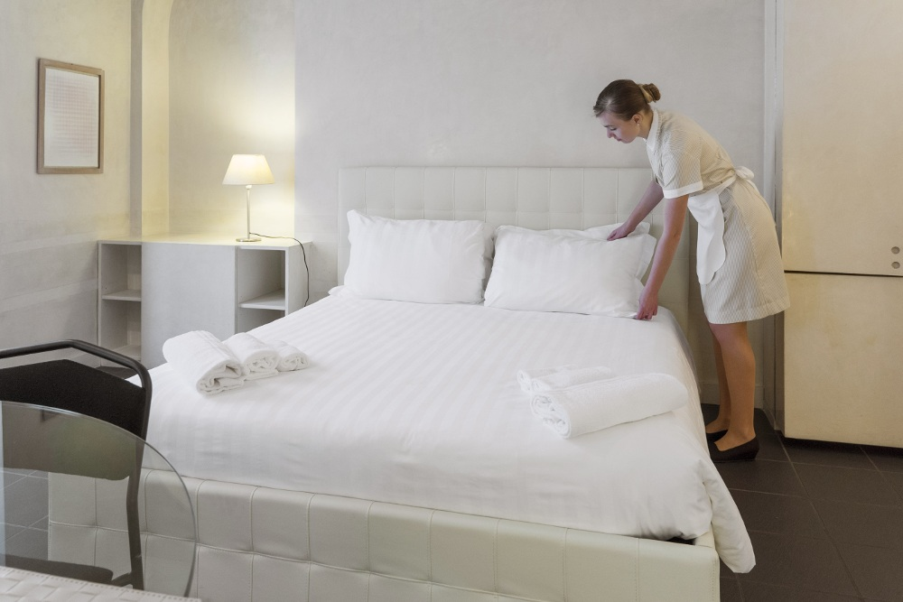 Hotel uniforms mercatores milano for Uniform spa italy